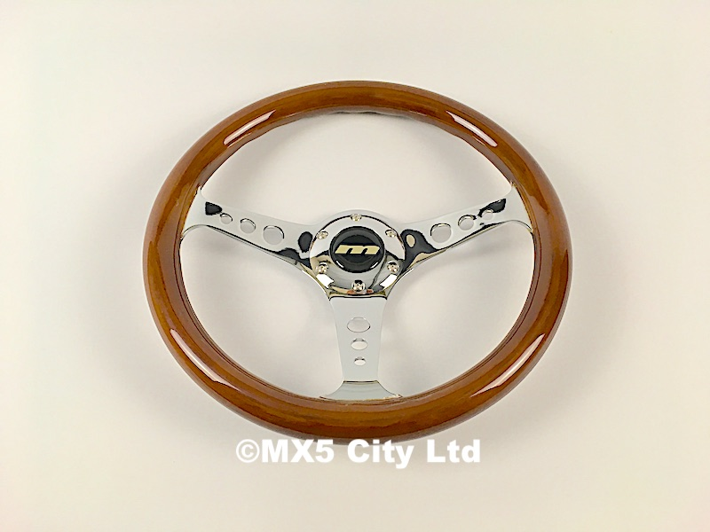 Wood rimmed steering wheel (Momo fitting)