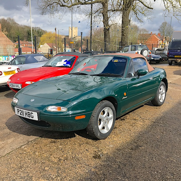 1997 Mazda MX-5 Mk1 1.6 Monaco in Neo Green