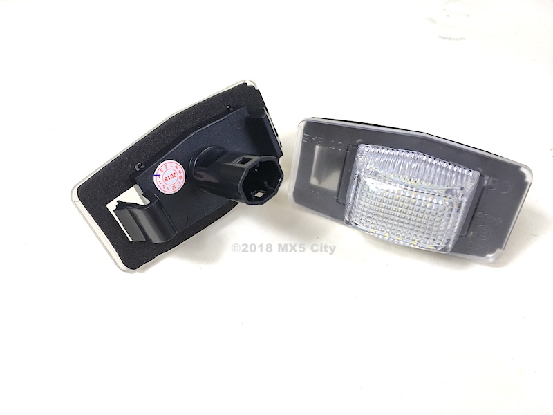 Rear number plate lamp set for the Mazda MX-5 Mk2 and Mk2.5 mode