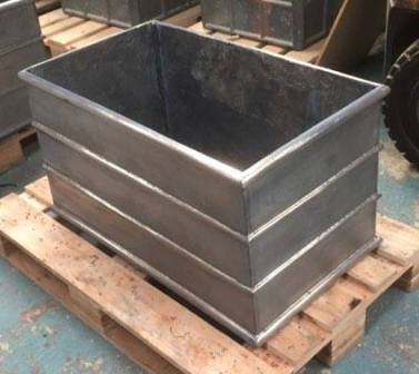 Strapped Rectangle Lead Planters