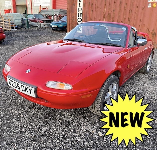 1990 Mazda Eunos Mk1 1.6 Roadster in Classic Red