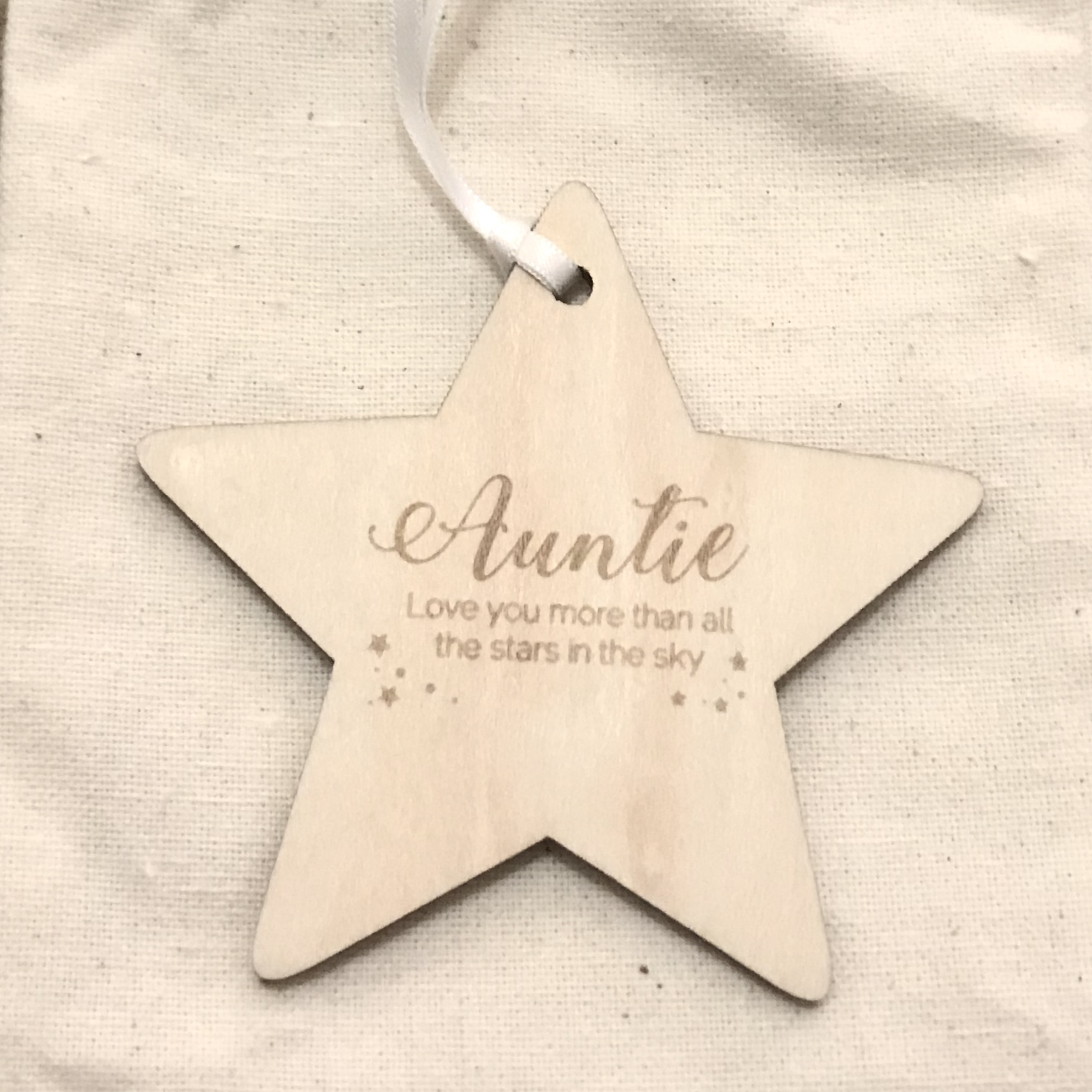 Wooden star AUNTIE decoration