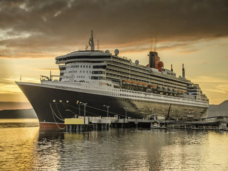 Queen Mary 2 Cruise, New York & Iceland Stay