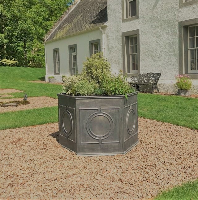 Gironde lead planter Hexagon