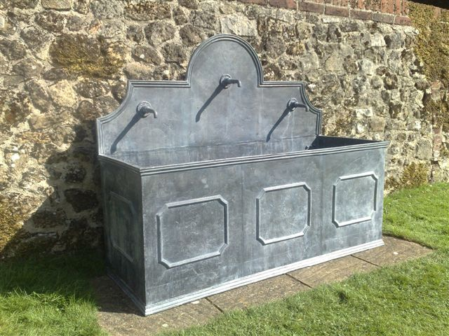 Frensham 3 Panel Lead Fountain with Tapettes