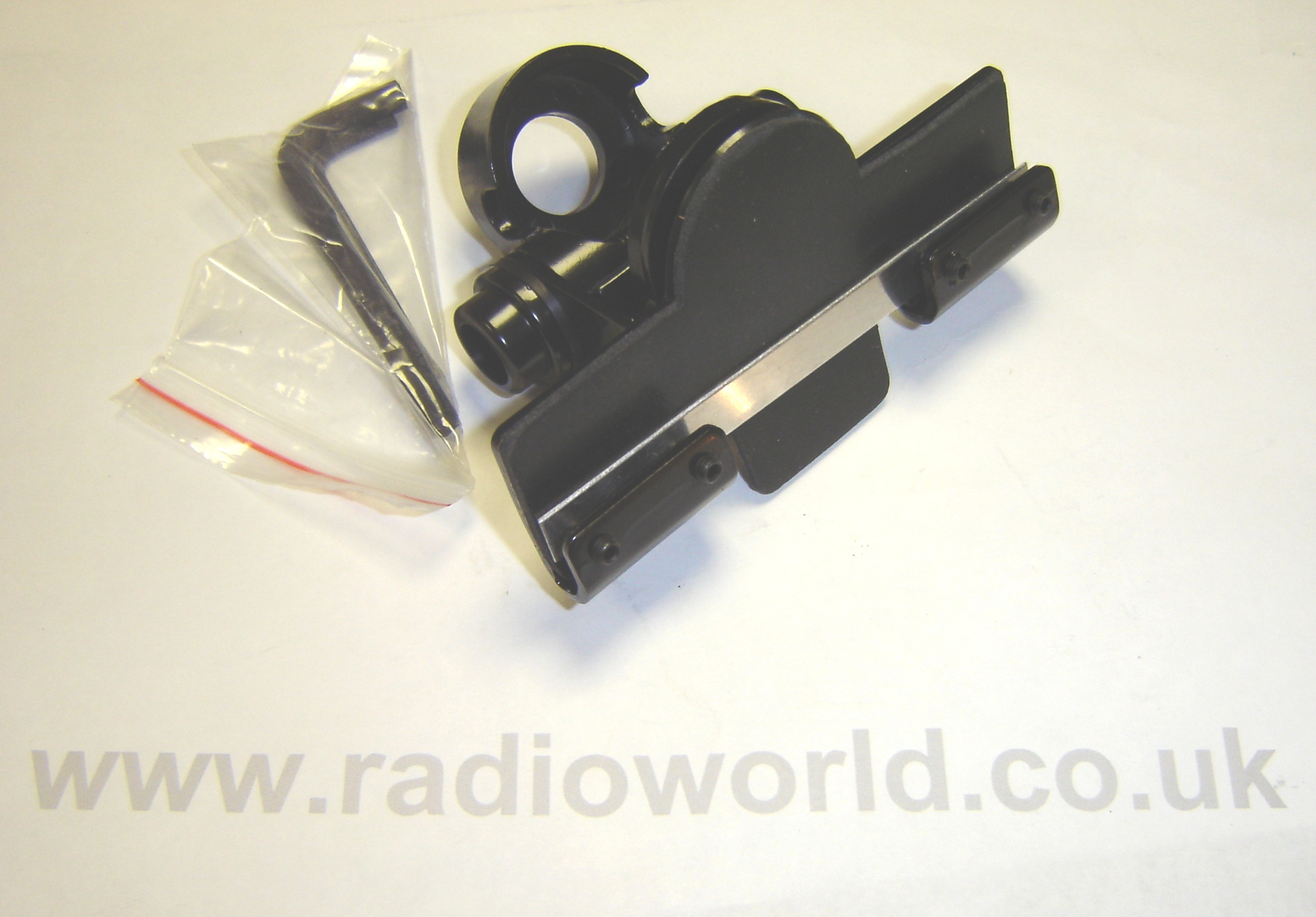 MB-400 HATCHBACK / TRUNK MOUNT ANTENNA BRACKET